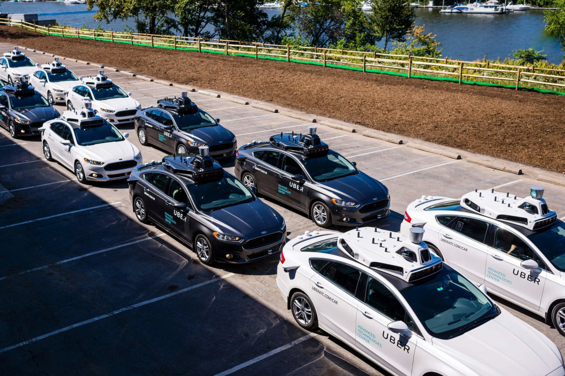 U.S. government issues self-driving vehicle guidelines
