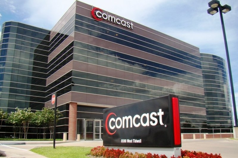 Comcast will launch a wireless phone service in 2017