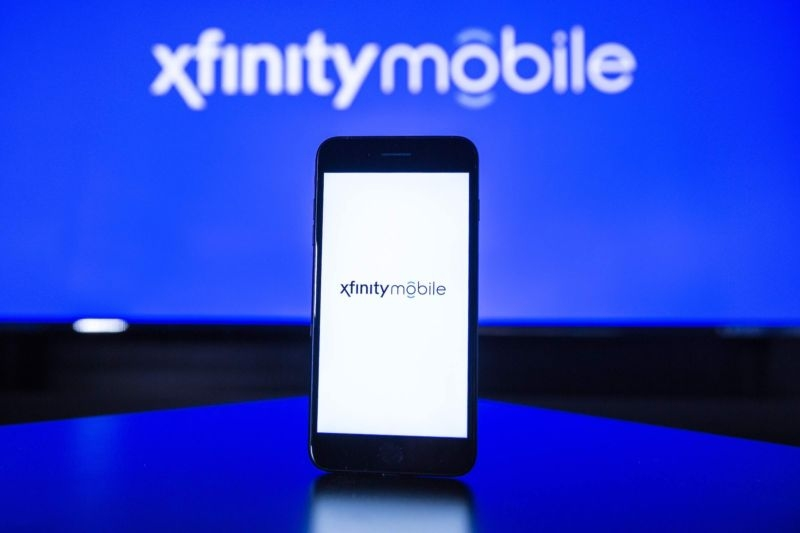 Comcast and Charter lock arms as they approach entry into the mobile industry