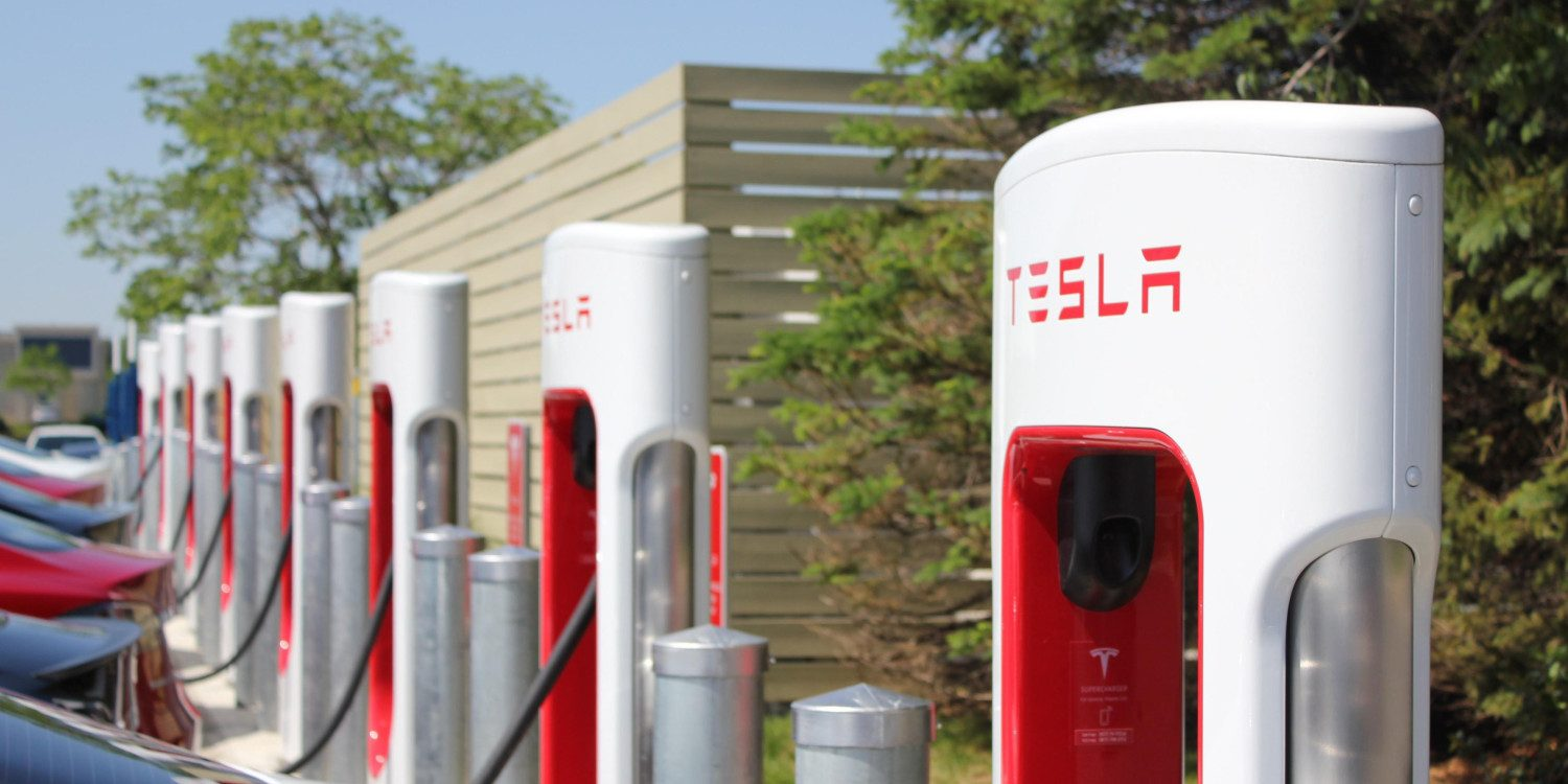 Tesla brings back free Supercharging for Model S and Model X buyers