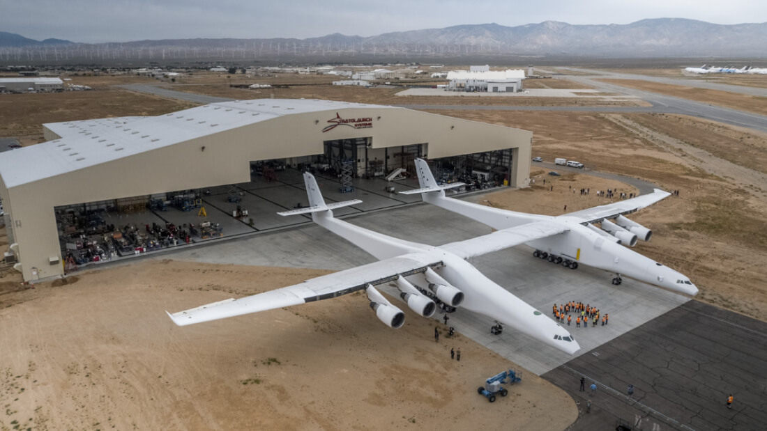 Microsoft co-founder shows off the world's biggest plane