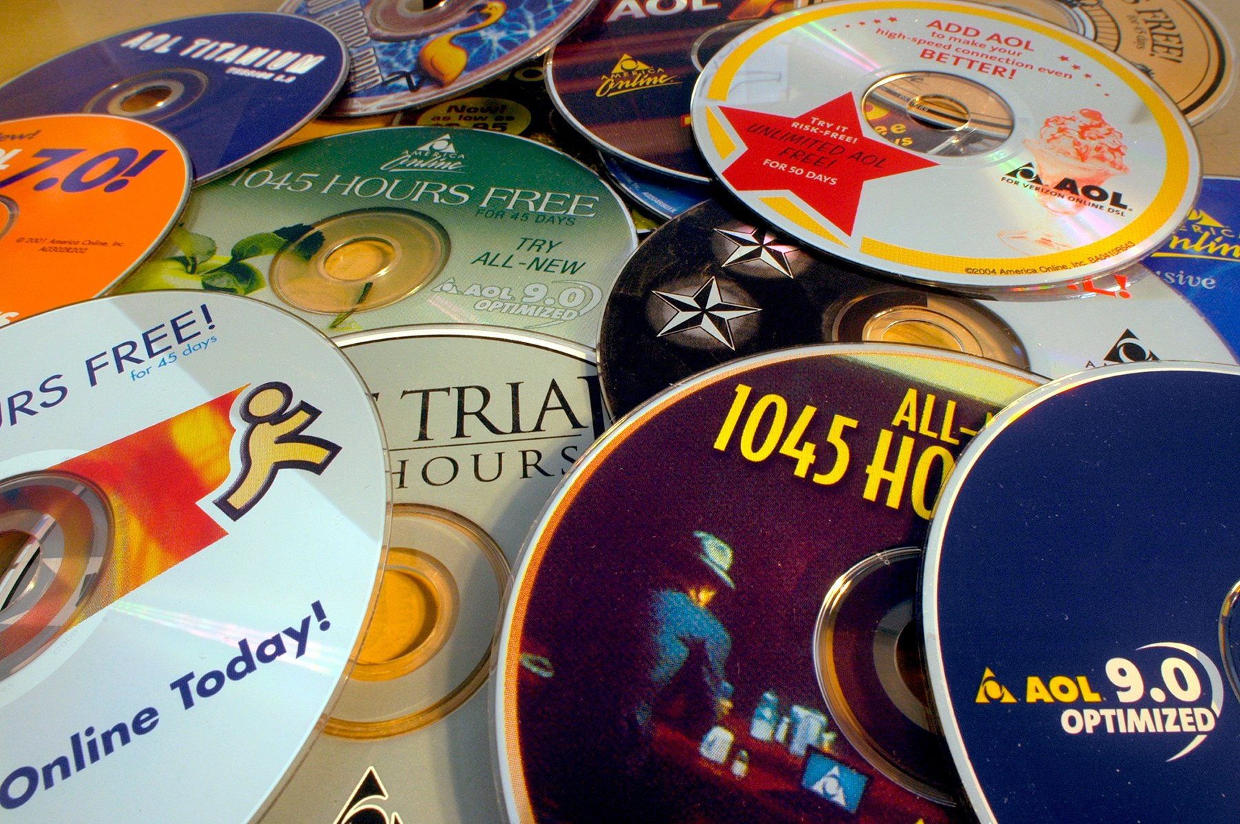 The Internet Archive is collecting AOL free trial CDs