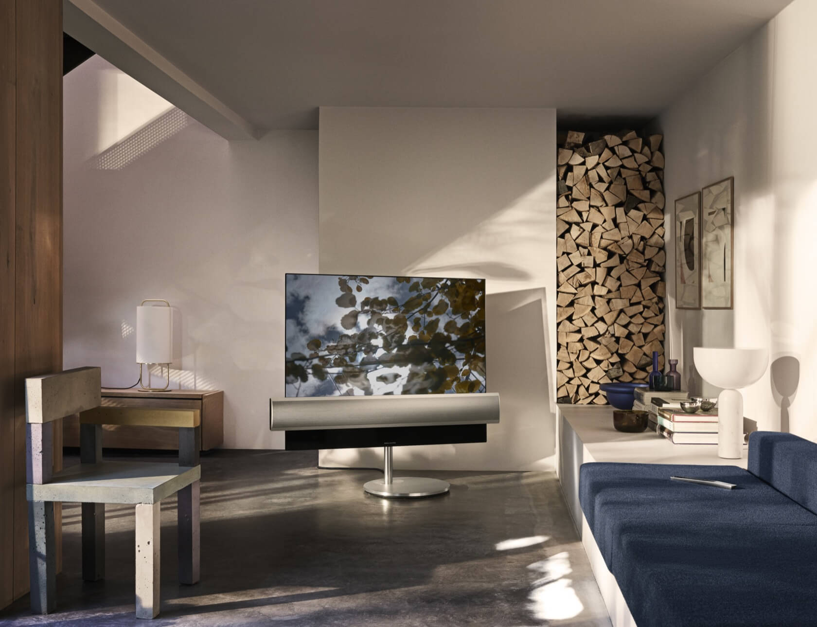 bang olufsen and lg show off oled hdr tv with built in. Black Bedroom Furniture Sets. Home Design Ideas