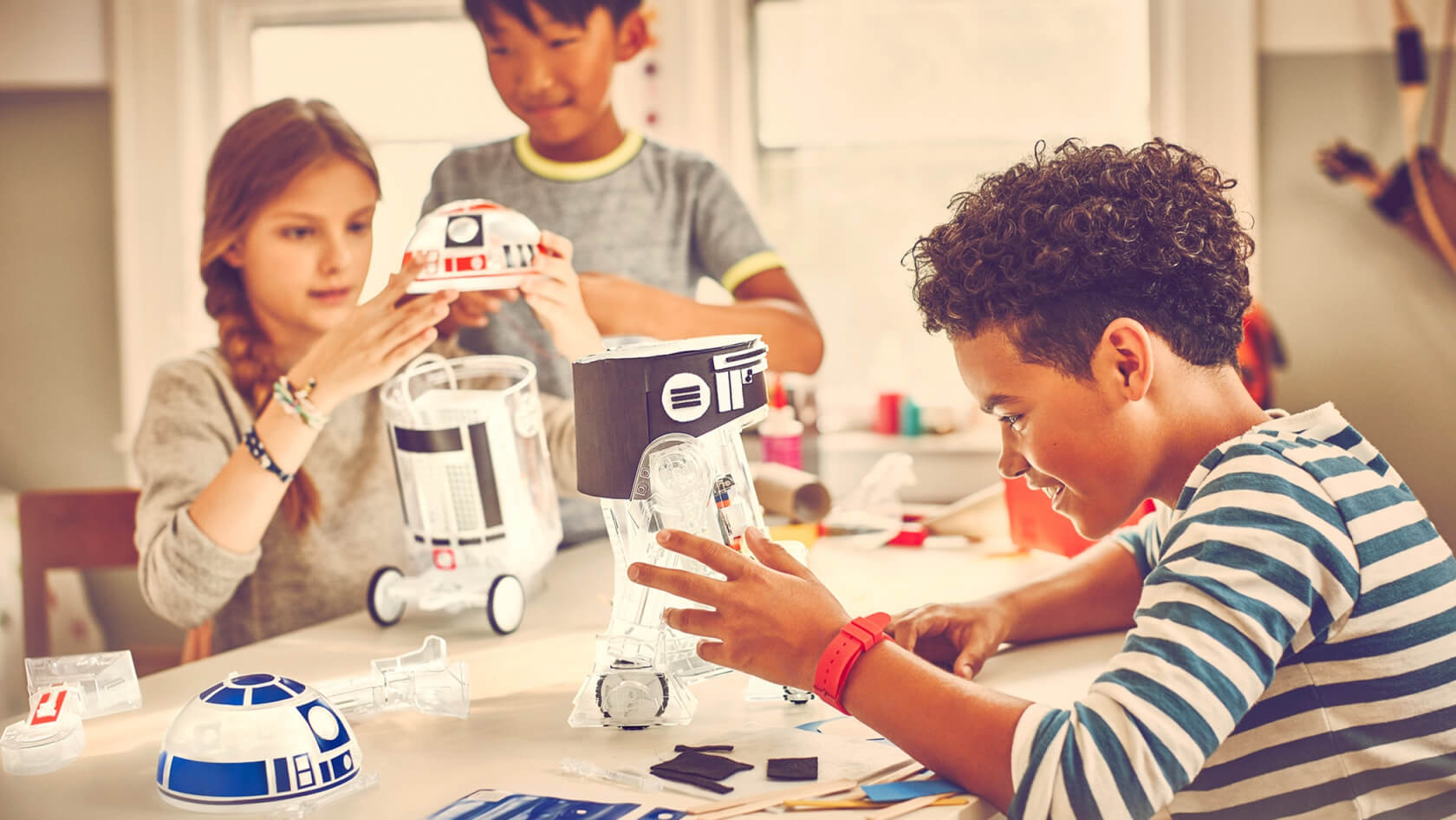 Kids can build a droid and learn about electronics with littleBits R2D2 kit