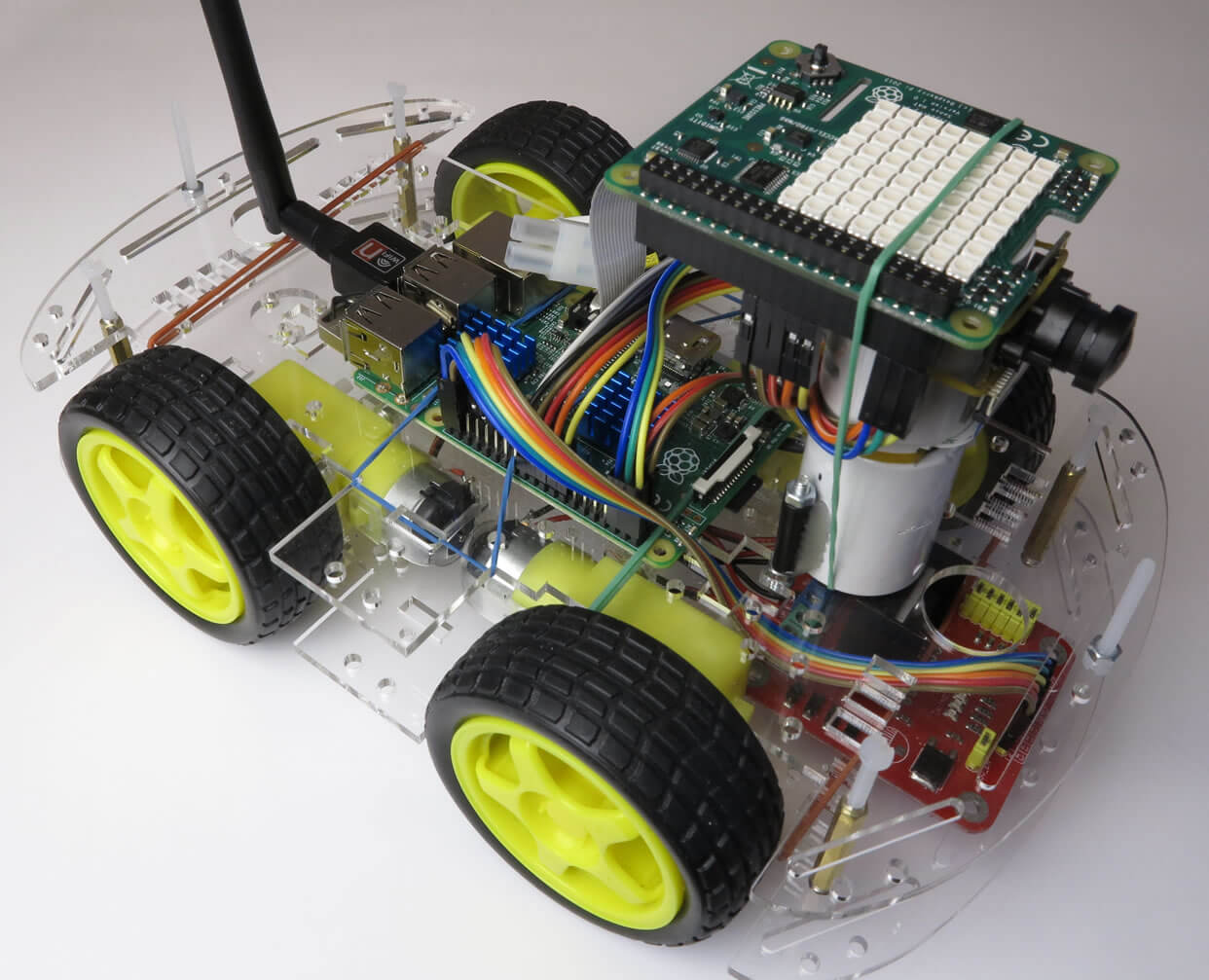 Build your own robots with this Raspberry Pi 3 board and training bundle