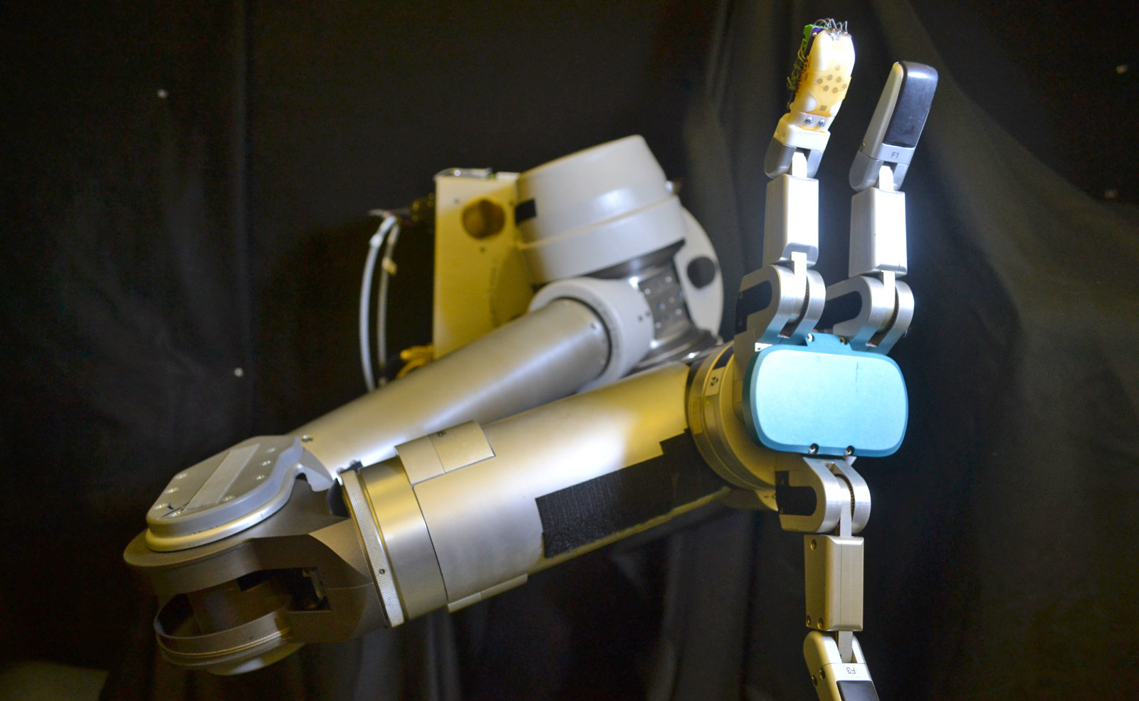 Stretchable artificial skin gives robots a human-like sense of touch
