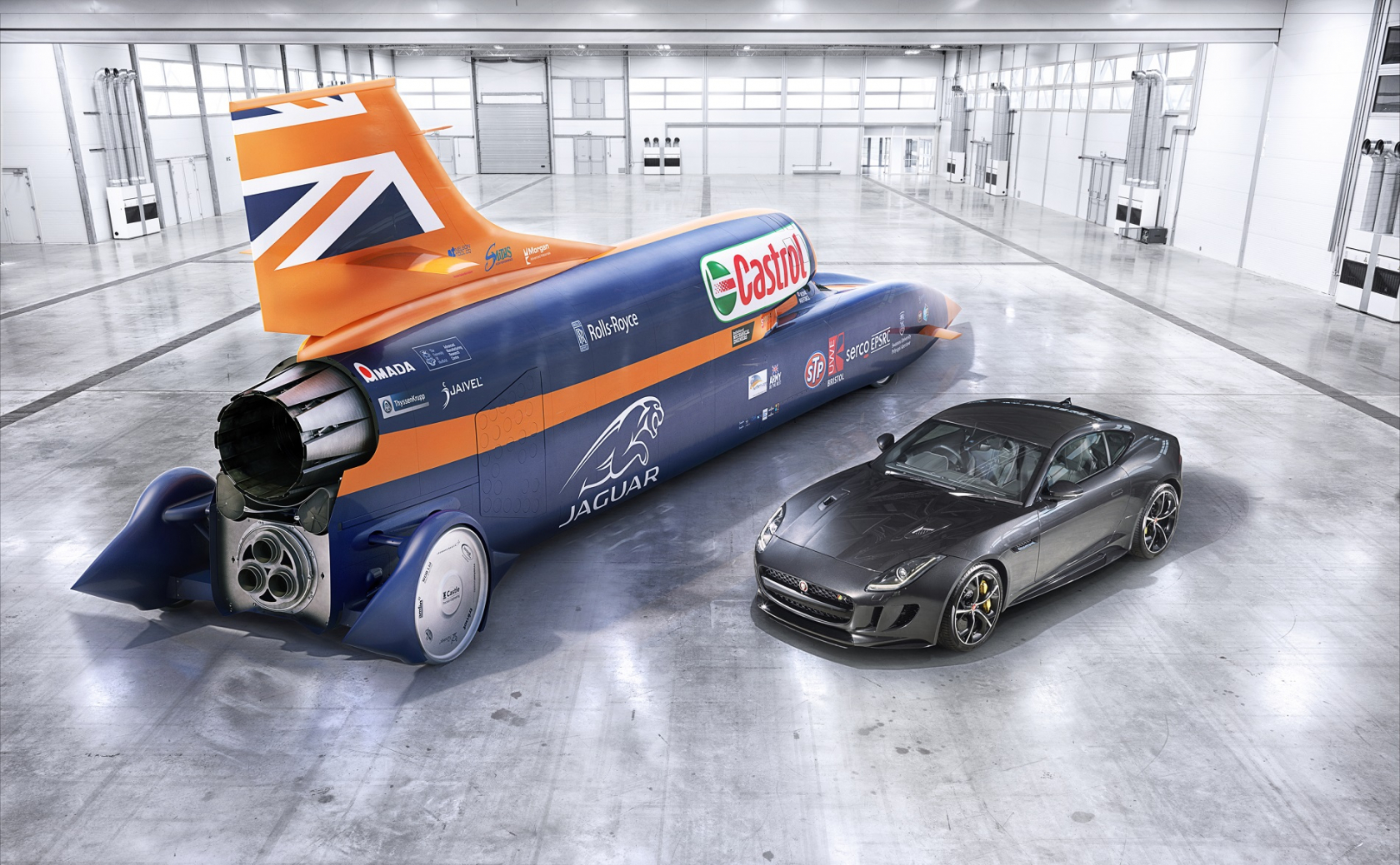 first public tests of the bloodhound, a car designed to hit 1000mph