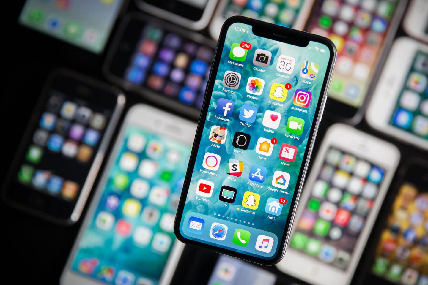Next generation iPhones may have charging circuitry designed by Apple