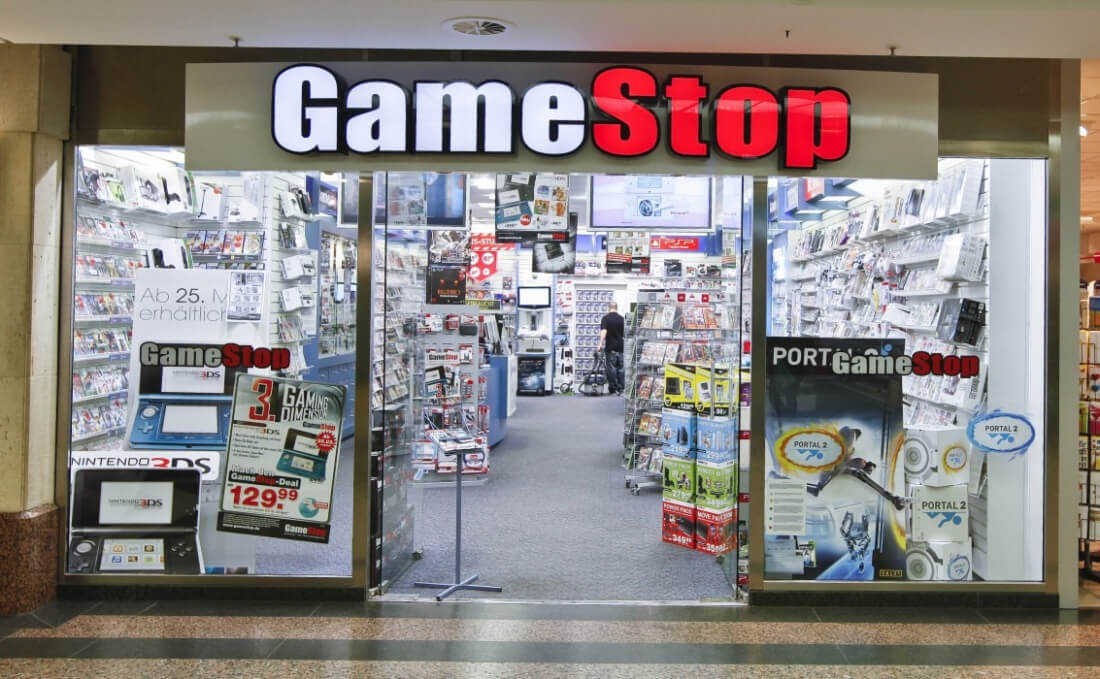 9f167a7979 GameStop pushes pause on unlimited used game rental program