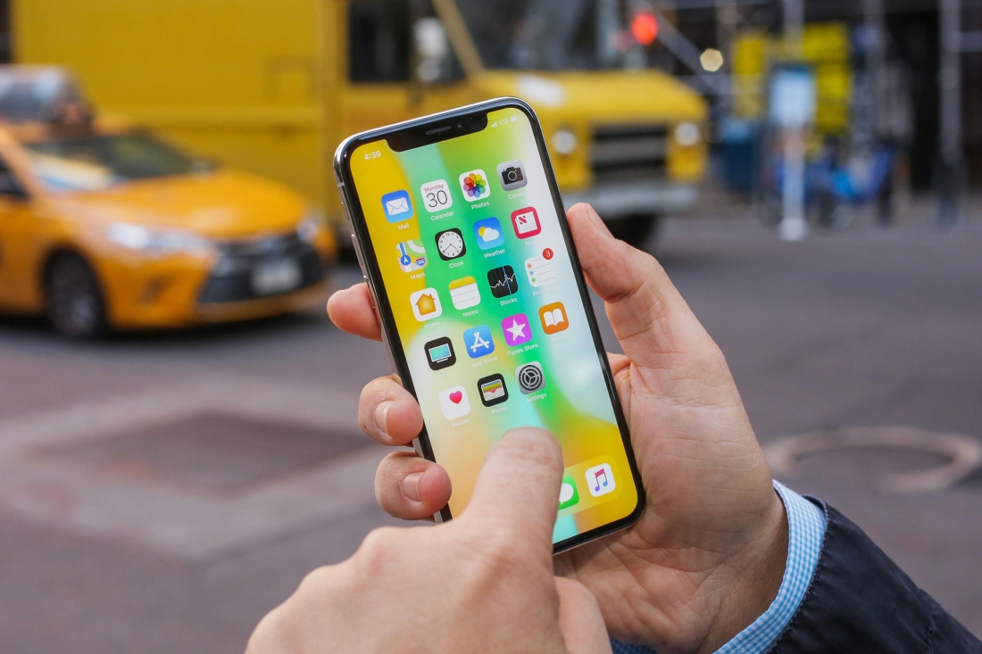 How Apple's iPhone X Could Make Big Telecom Companies Squirm