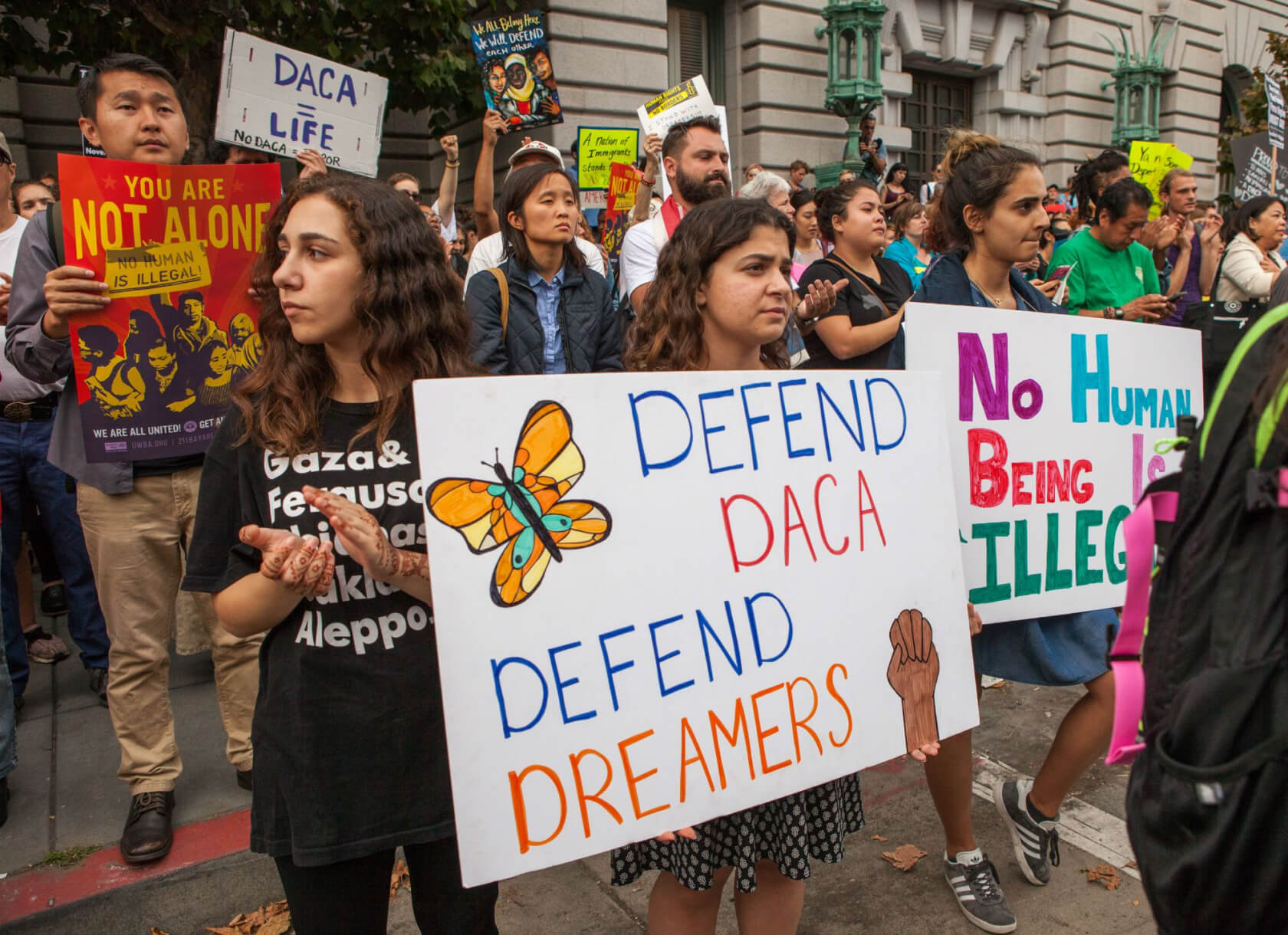 Cook, Zuckerberg, Bezos and over 100 other CEOs sign letter urging Congress to keep DACA program
