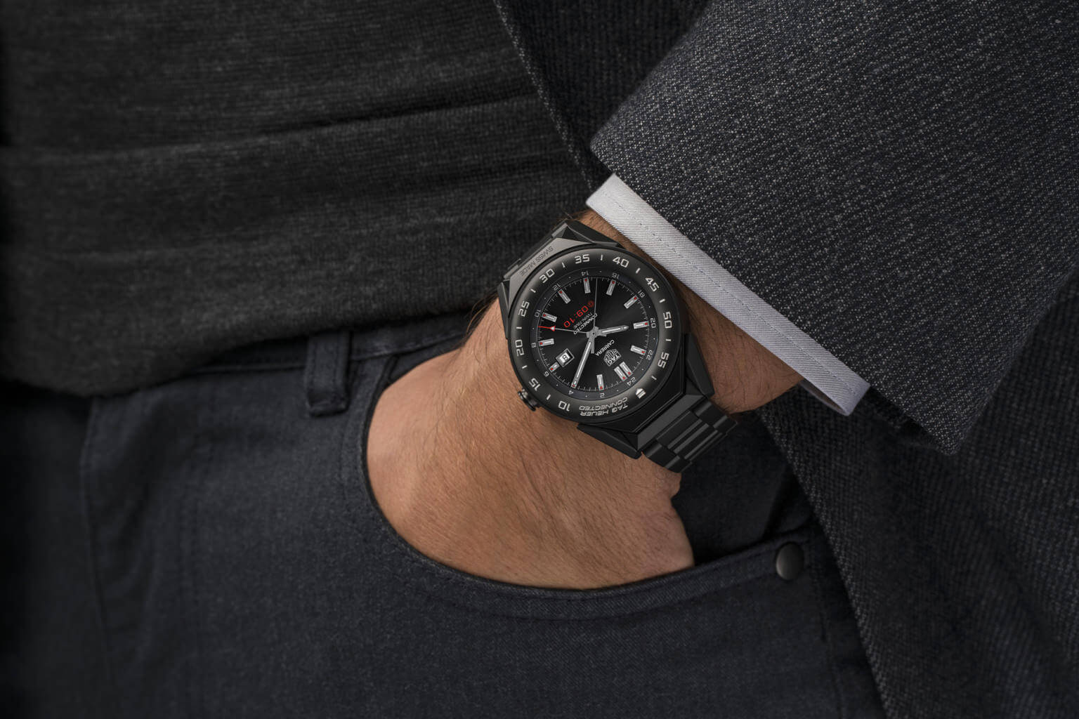 518bc7bbad4 Tag Heuer s Connected Modular 41 is a smaller
