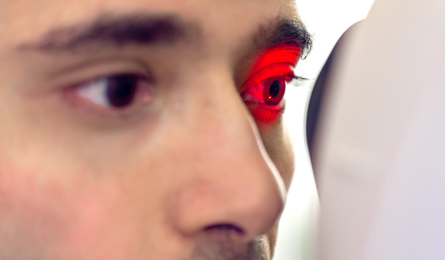 Google has a new AI that can predict heart disease by looking at your eyes