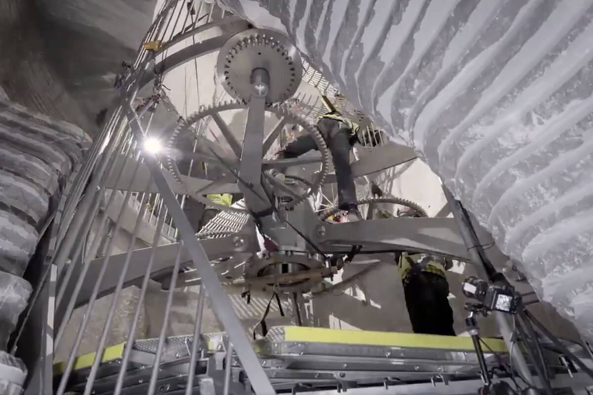 Jeff Bezos Shows Off His Latest Project: a 10000-Year Clock