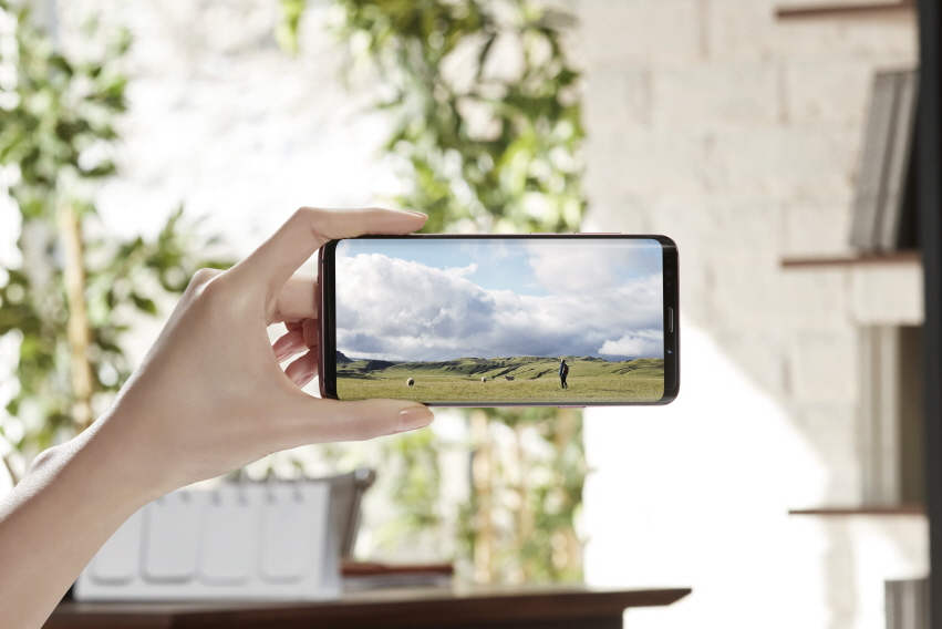 Samsung Galaxy S9 Plus takes best camera crown from Google Pixel 2