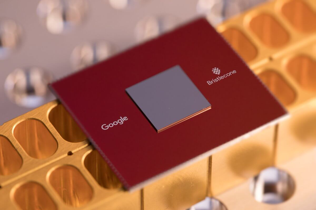 Google shows 72 qubit quantum chip with low error rates