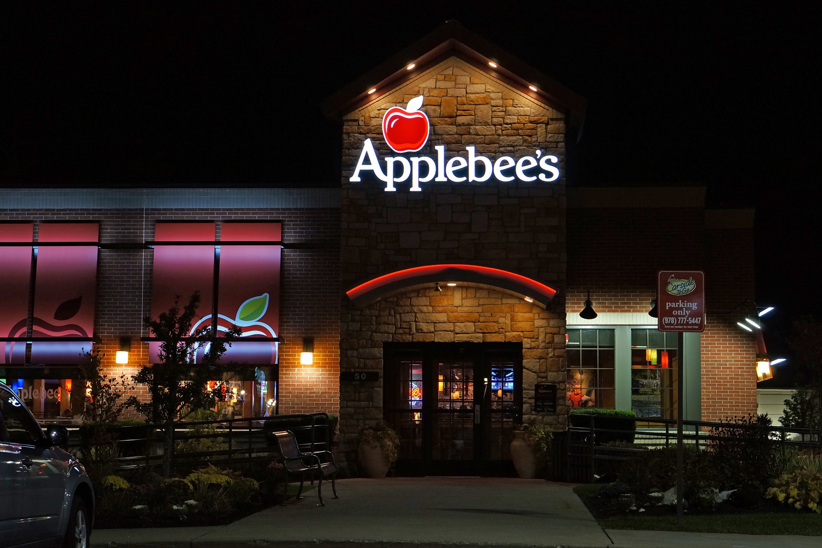 Data breach affects 3 Kansas Applebee's locations