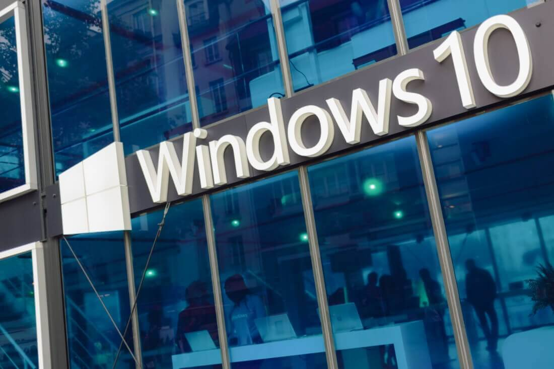 Windows 10 update preview suggests Microsoft could be working on another mobile device