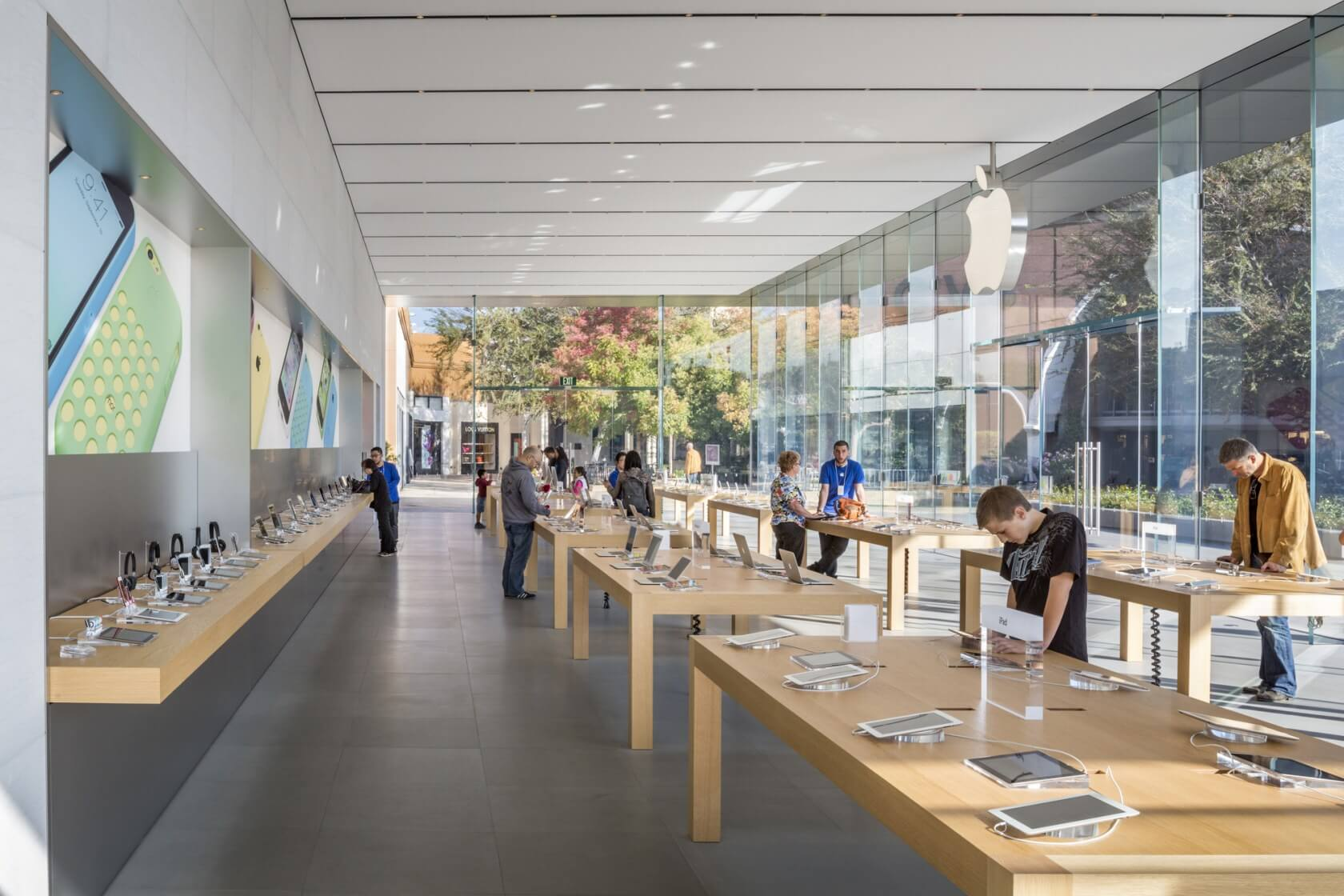 Apple Store Fashion Fair