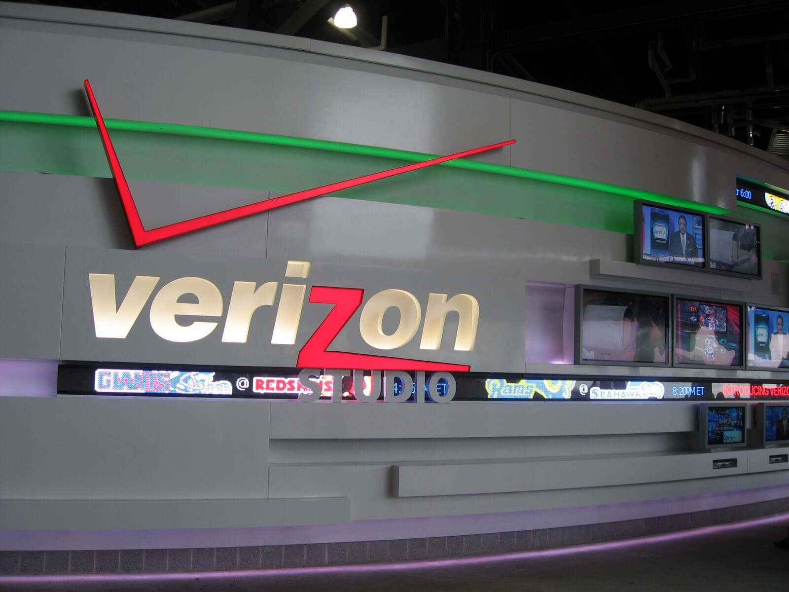 Verizon taps Ericsson for 5G-compatible network upgrades - TechSpot