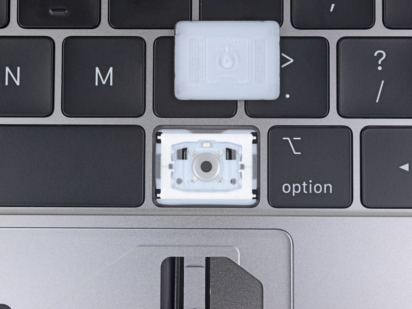 How the New MacBook Pro Solves Apple's Keyboard Problem