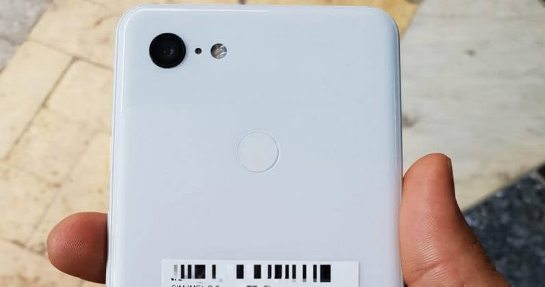Pixel 3 XL leaks show Google's new notch and possible wireless charging
