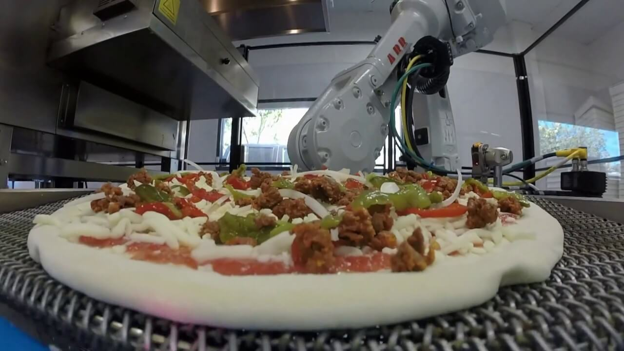 Pizza-making robot business Zume is talking with SoftBank for up to $750 million in funding