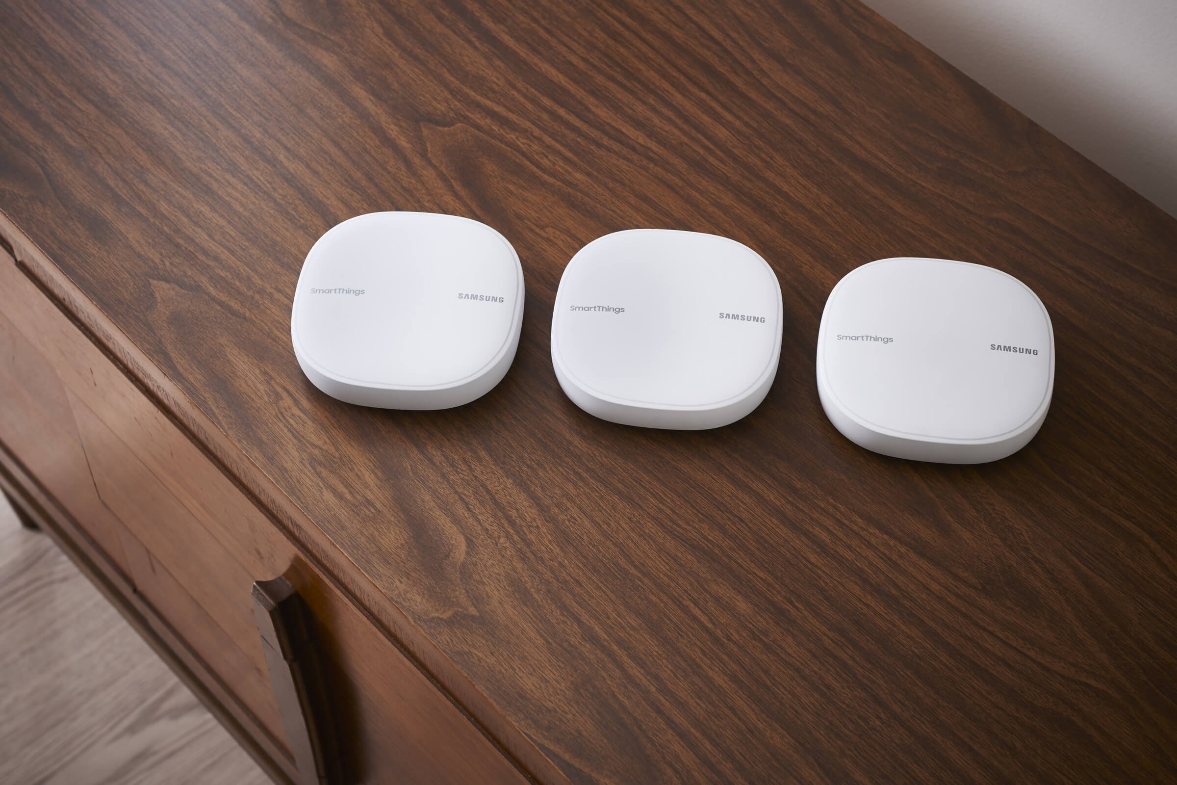 Samsung adds Plume's mesh WiFi tech to its SmartThings WiFi router