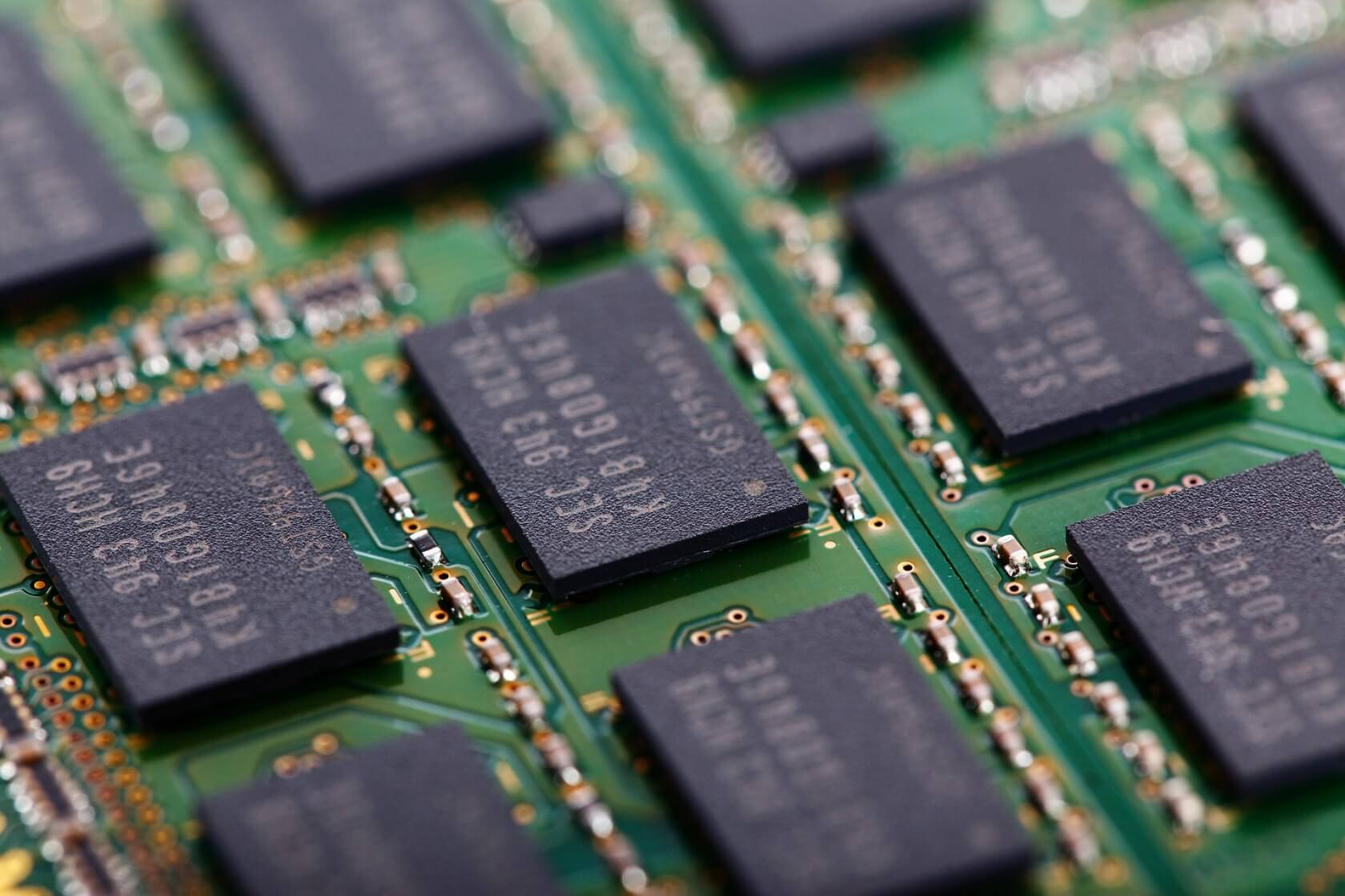 Analysts say we are headed for a flash memory price crash