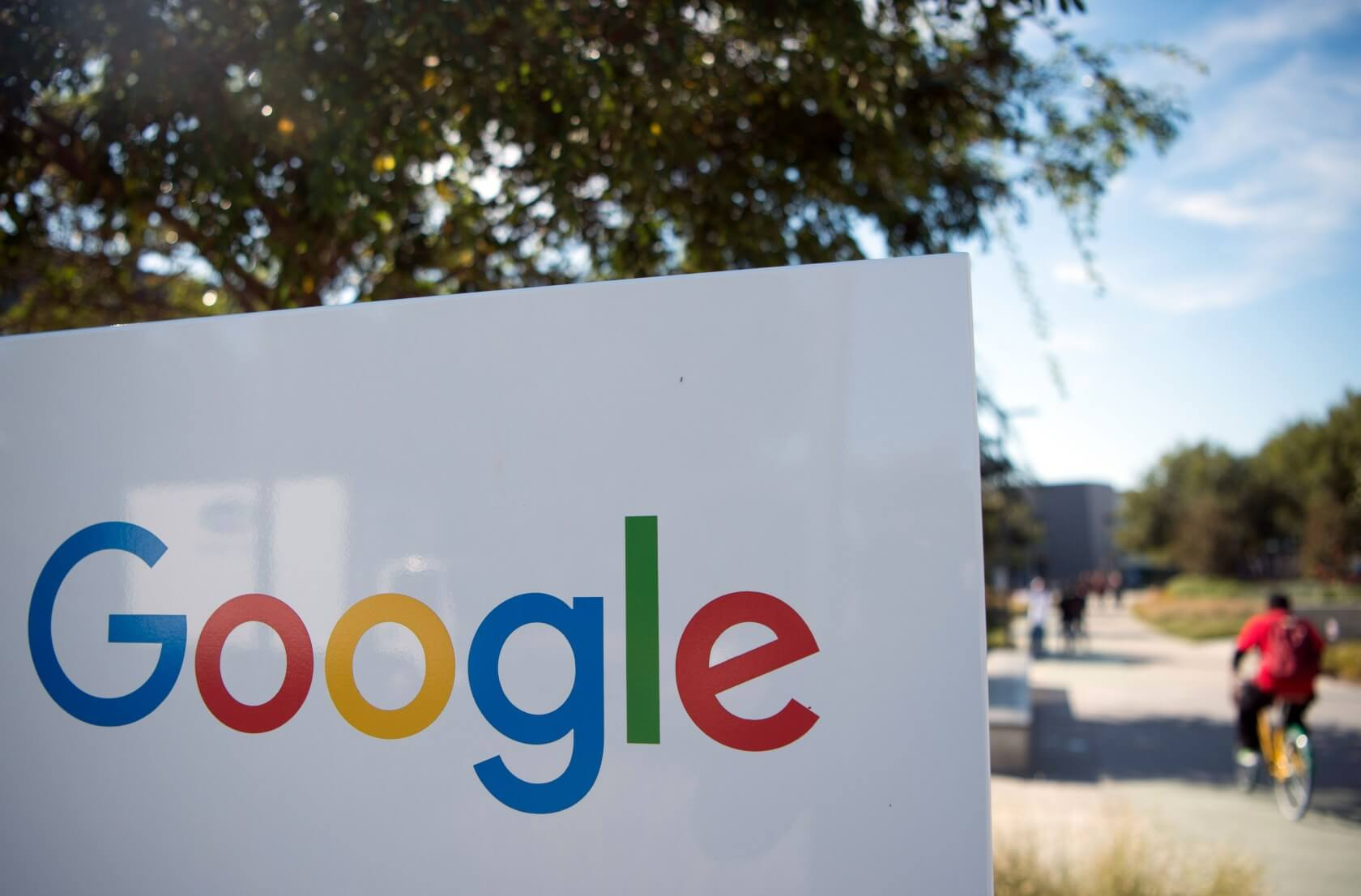 Lawyers seek class action against Google for tracking users