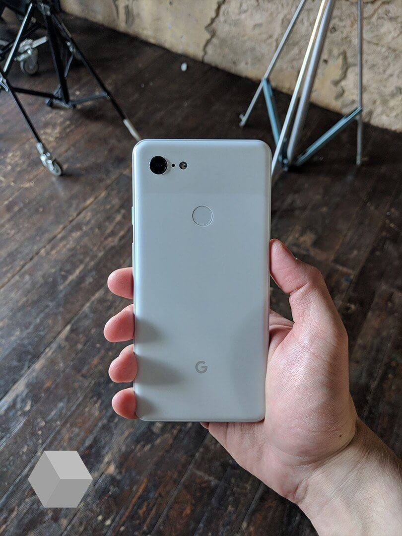 New Leaks Suggest the Pixel 3 will Ship with Wireless Charging Functionality and a Thick Notch