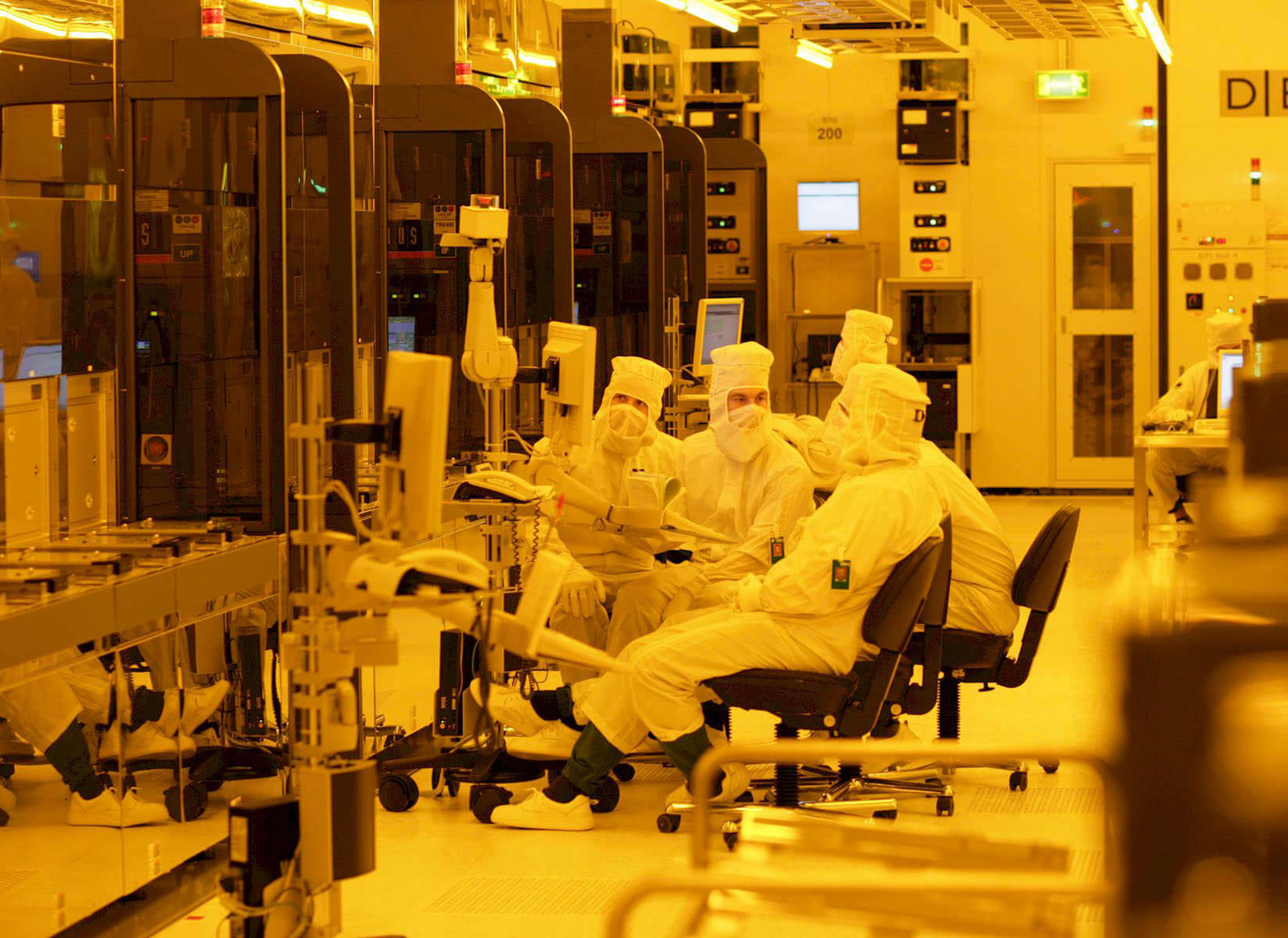Major GlobalFoundries restructuring underway, abandons 7nm