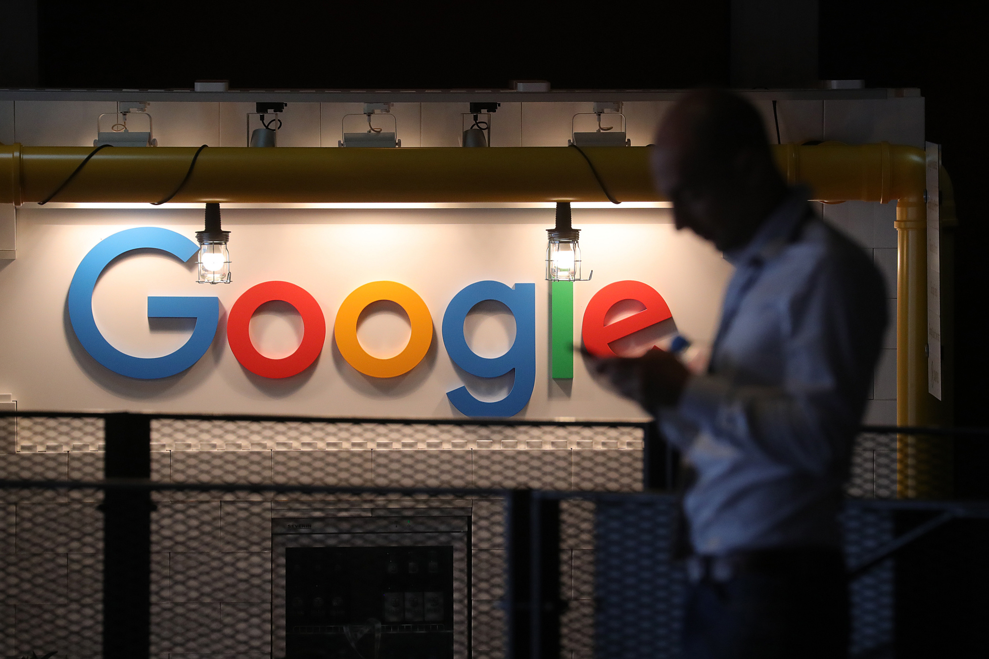 Google allegedly paid Mastercard millions for data to link