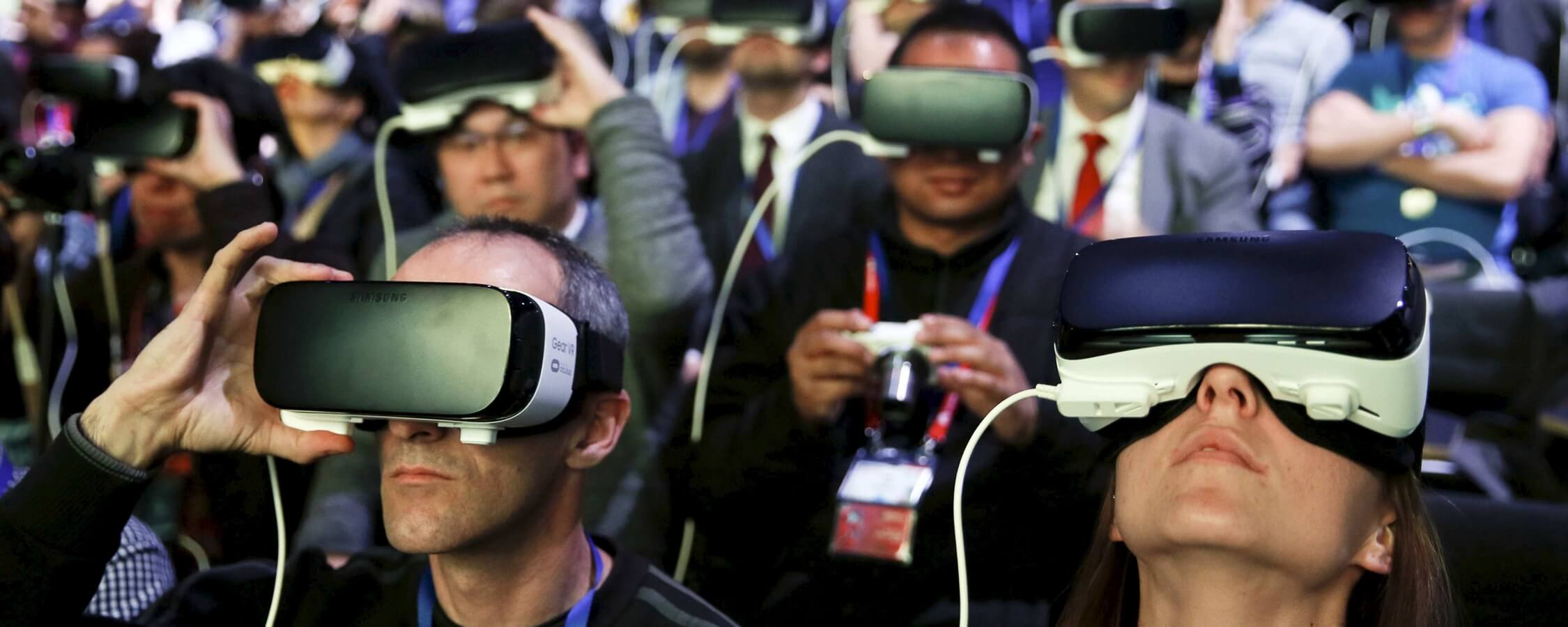 Analysts remain optimistic despite a 33.7-percent downturn in VR shipments