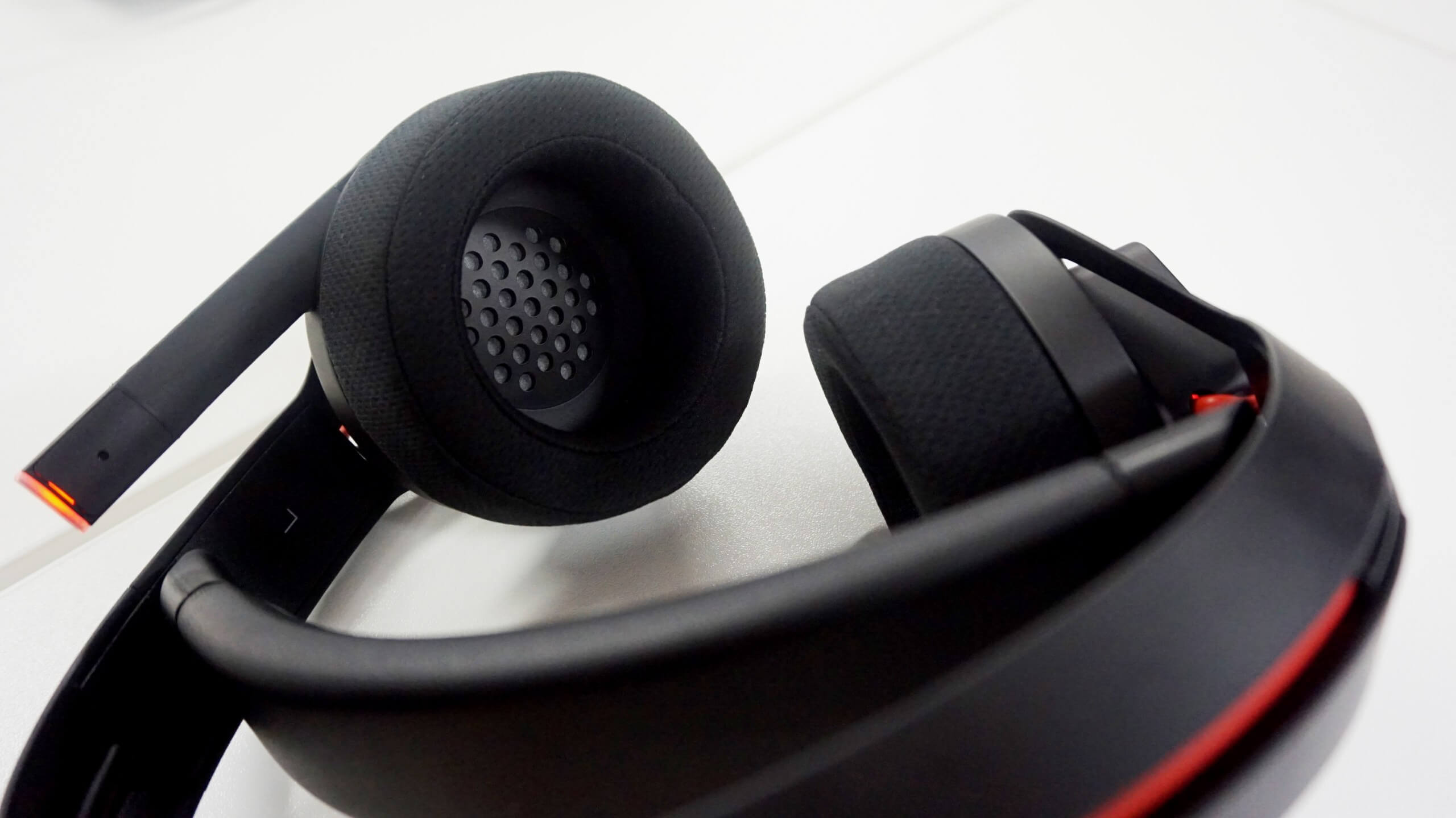 a325959c629 HP's Omen Mindframe gaming headset keeps your ears cool - TechSpot