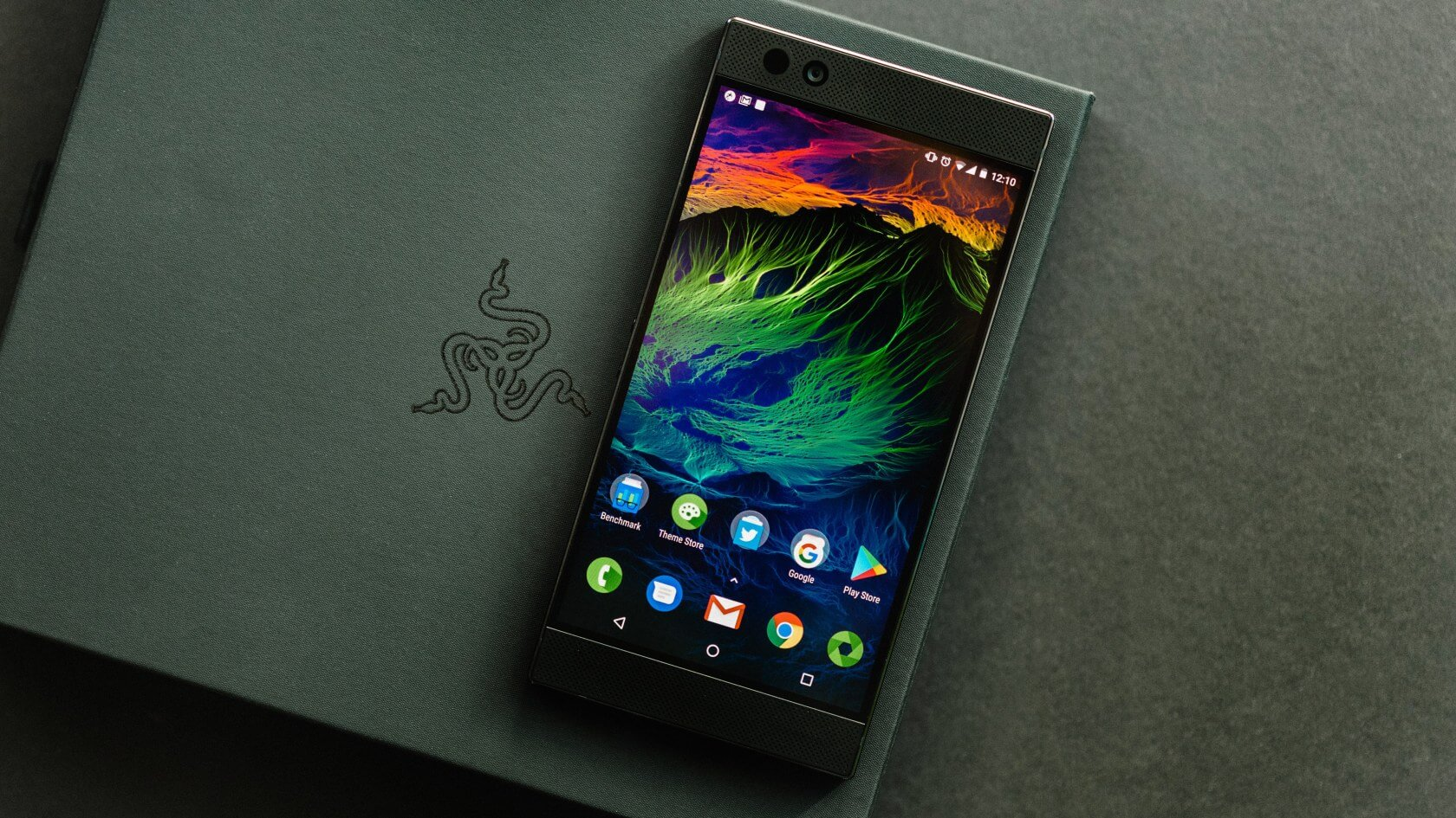 Razer Phone 2 officially announced along with a mobile gamepad