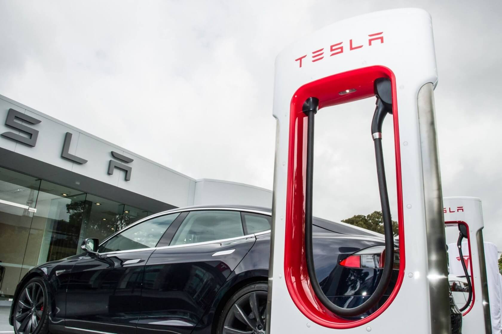 Tesla orders placed by October 15 eligible for full tax credit
