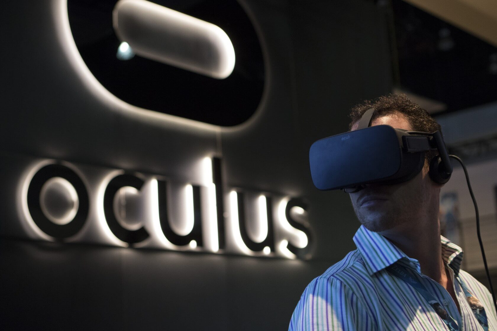 Oculus shuts down movie purchases for Rift users, says the