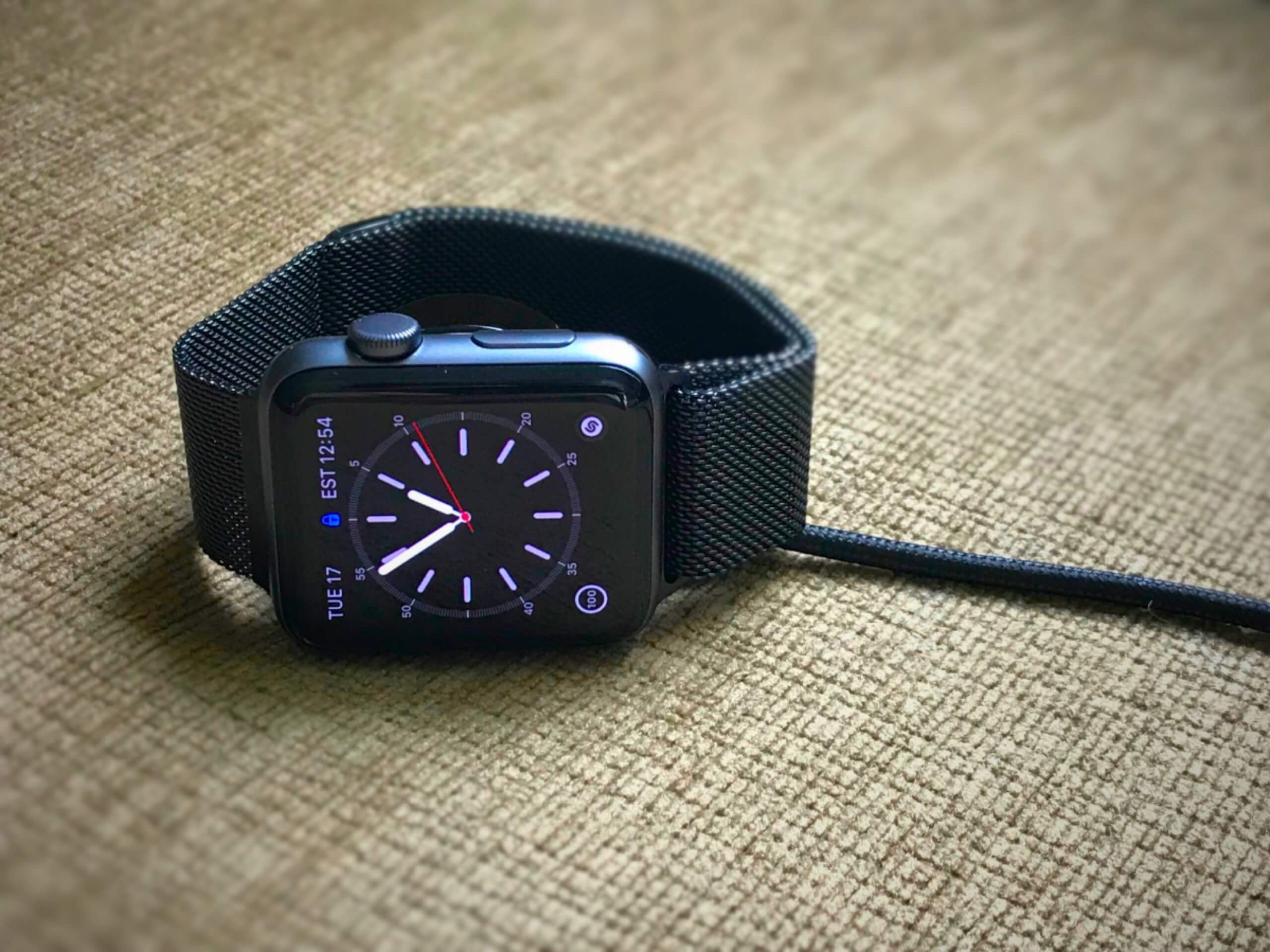 Apple Watches and iPhones can be temporarily bricked with helium