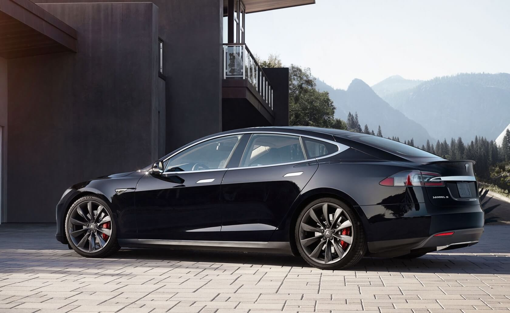 Tesla forms an unlikely partnership with GM and Nissan to preserve EV tax incentives
