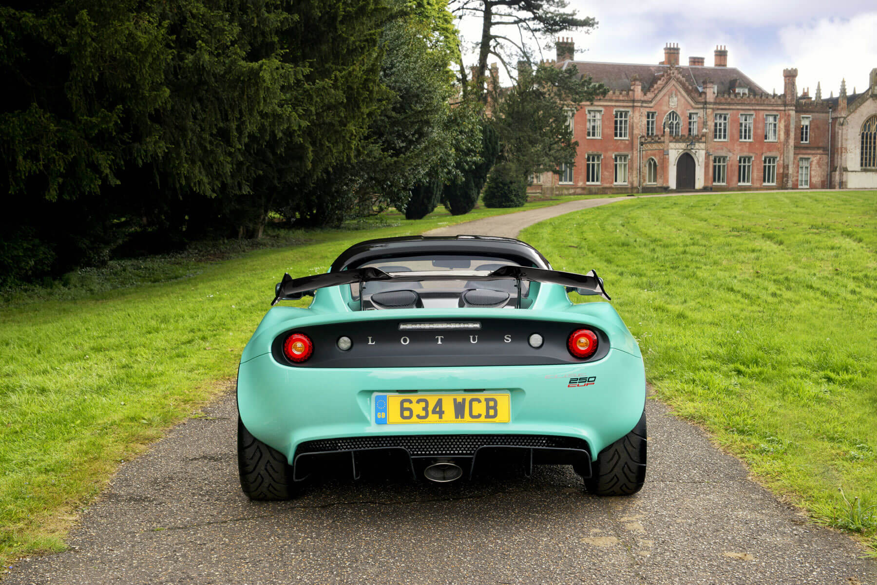 Lotus Elise 0 60 >> Lotus Is Building A 1 000 Hp All Electric Hypercar Techspot