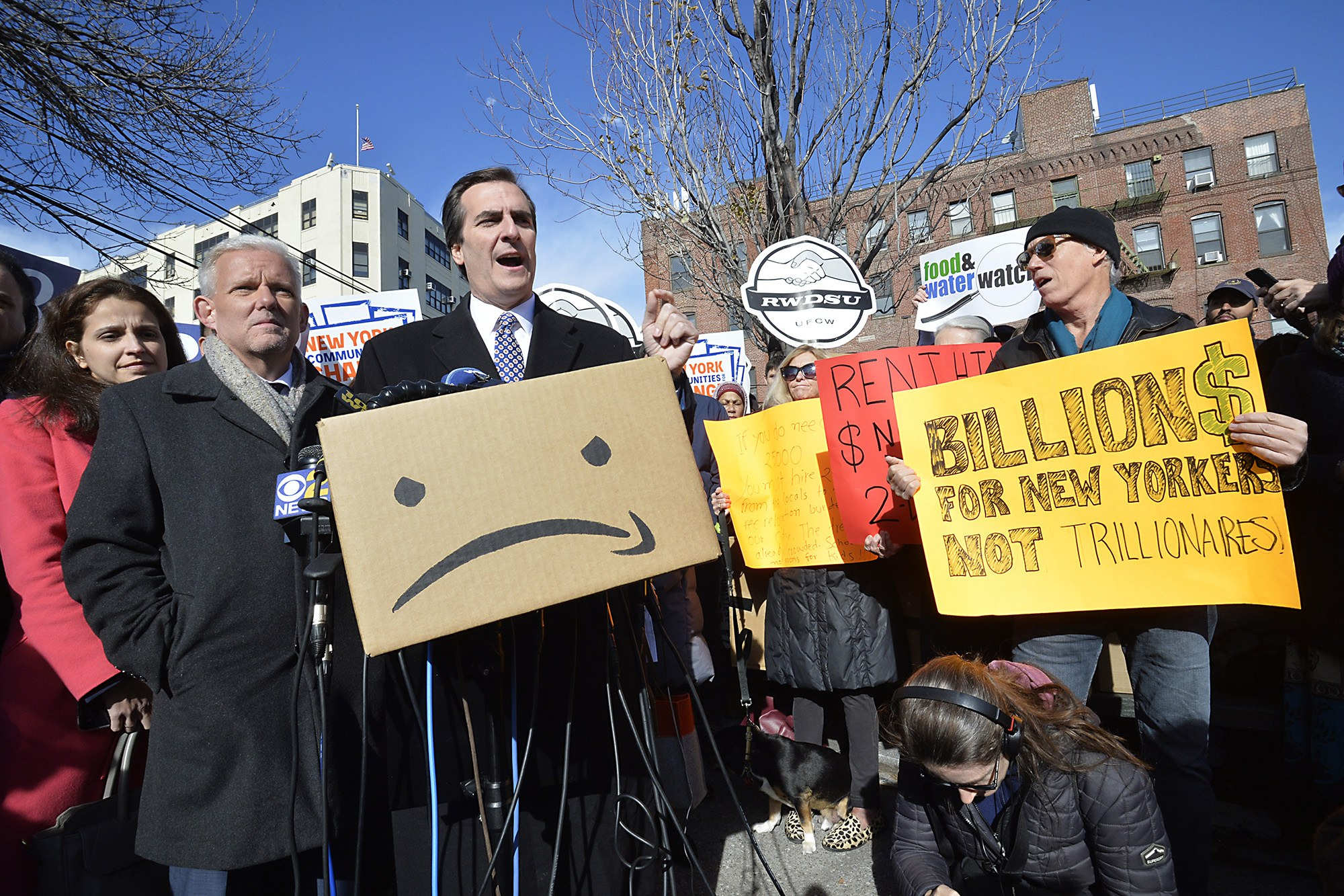 Protests against Amazon's $3 billion deal with New York fall on deaf ears