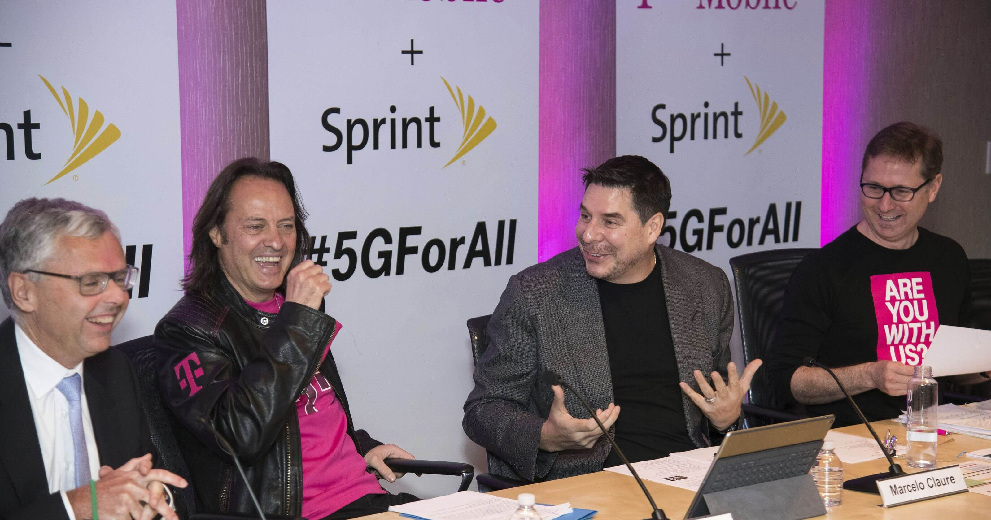 Sprint and T-Mobile move one step closer to merging together