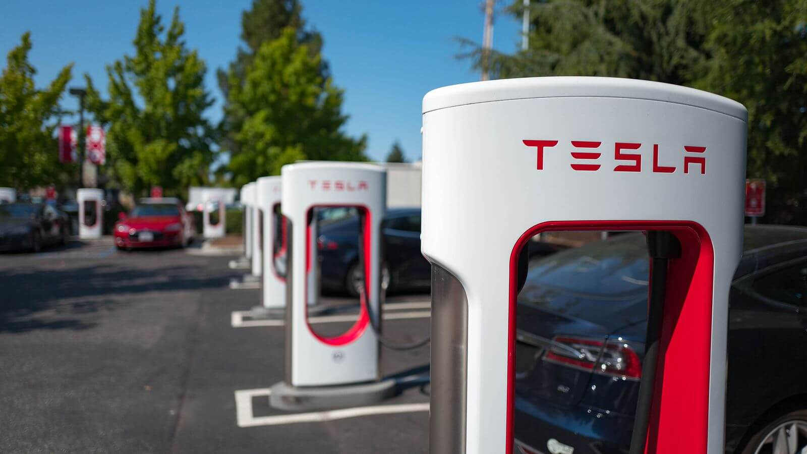 Tesla increases Supercharging prices to the point that gas