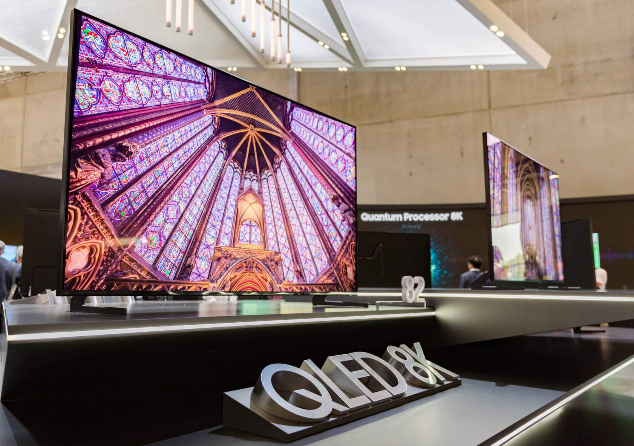 Samsung launches 8K display driver for huge bezel-free TVs