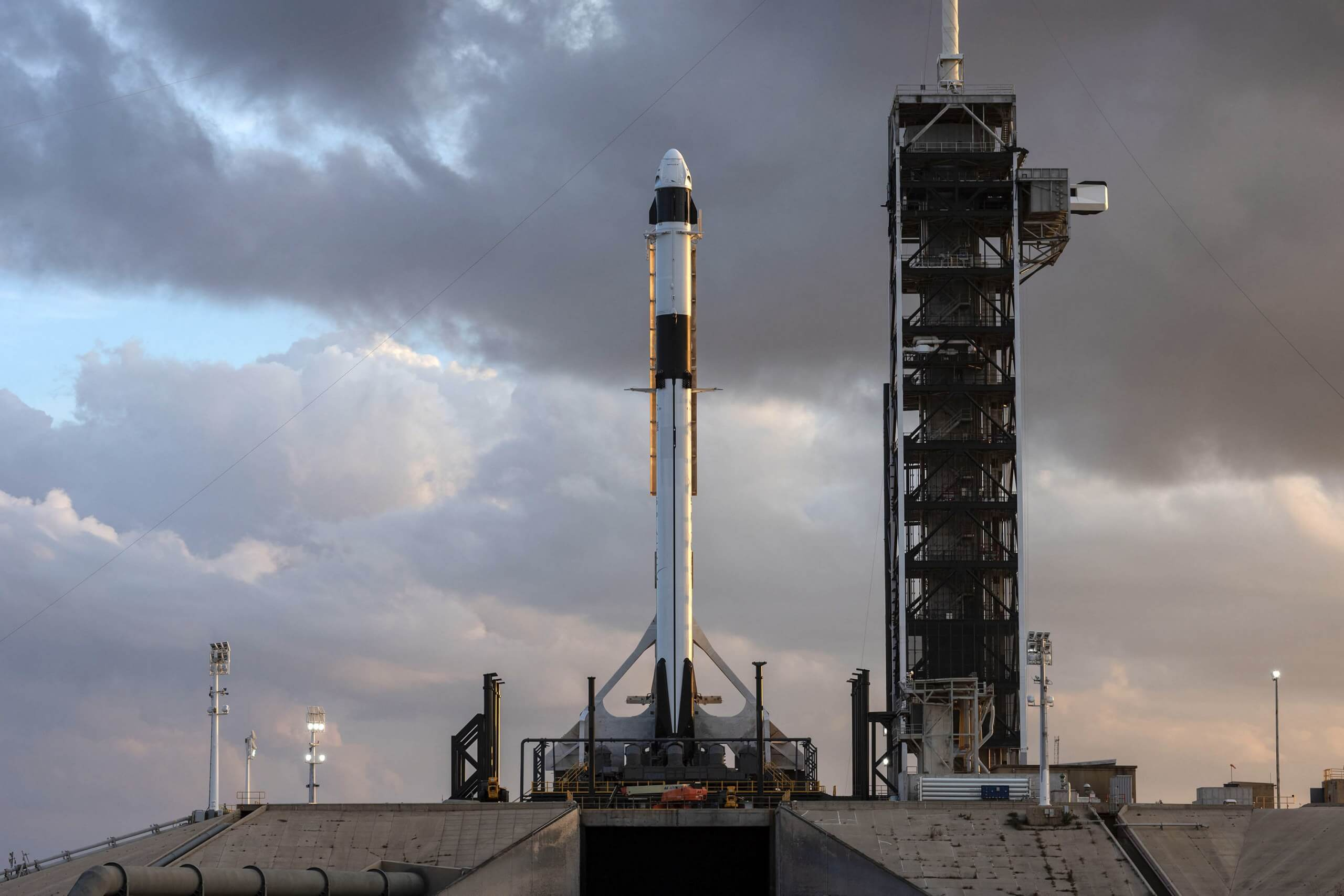 Current Plans for the Border Wall will Split SpaceX's Texas Launchpad in Two