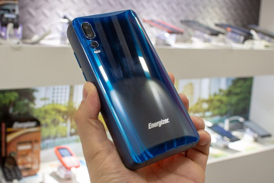 Energizer's Smartphone With An 18000 mAh Battery is Absolutely Ridiculous