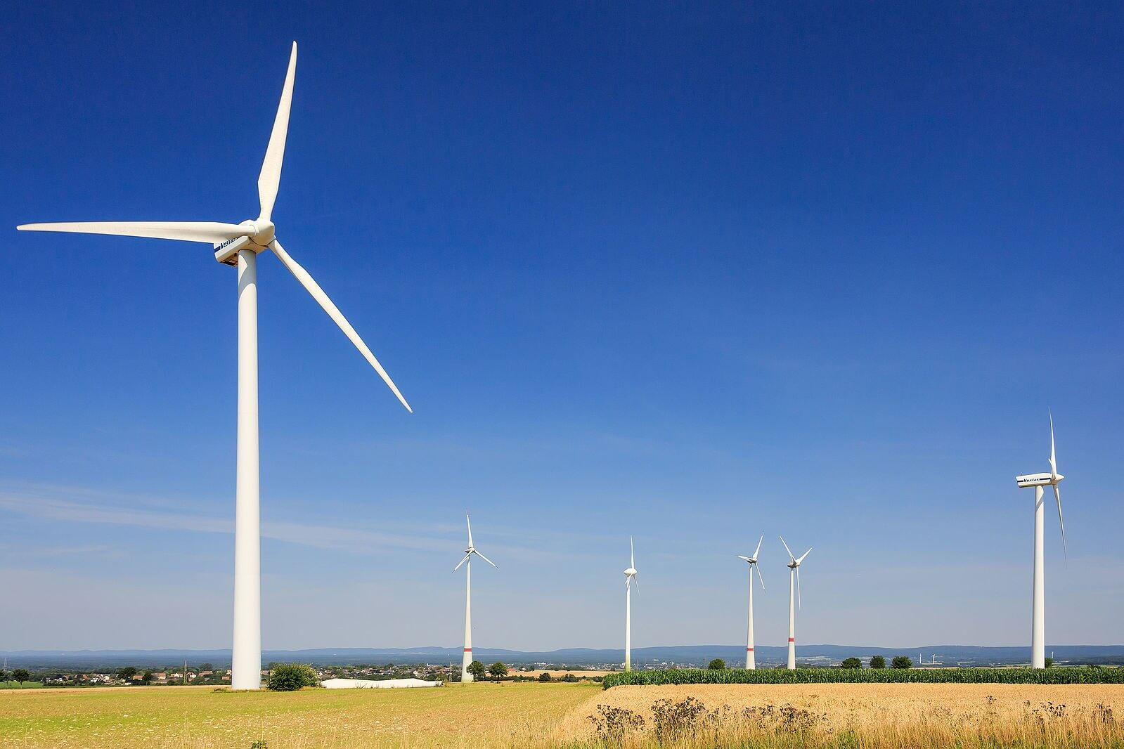 Google and DeepMind bring machine learning and better efficiency to wind farms