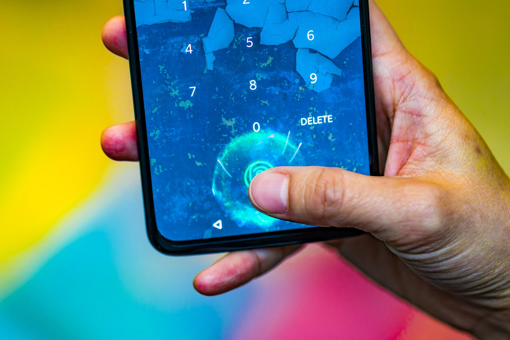 Leaked OnePlus 7 images show notch-less design and pop-up camera