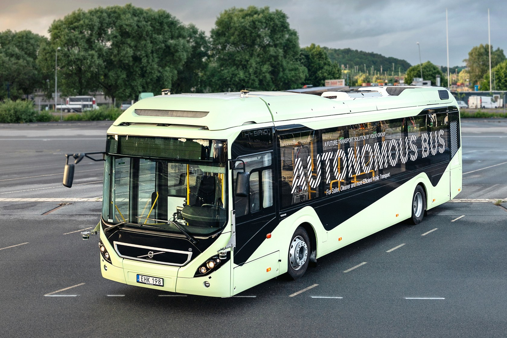 Singapore has partnered up with Volvo to test out fully-autonomous public buses